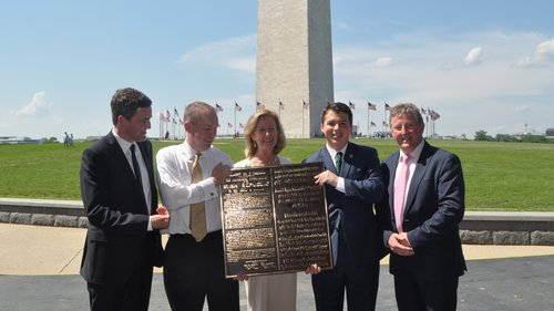monument handover picture